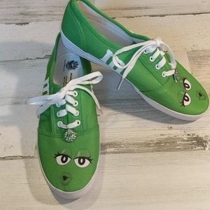 BRADFORD EXCHANGE Green M&M Lace Up Sneakers 9